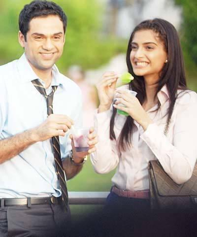 sonam kapoor and abhay deol dating Abhay deol and sonam kapoor aren't exactly what you'd call friends but the two professionals have worked together in aisha in the past yesterday, abhay fearlessly named and shamed legit bollywood celebrities for endorsing various fairness products in a series of sarcastic facebook posts.